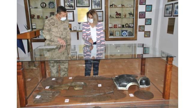 Vali Becel, JAKEM Komutanlığını ziyaret etti