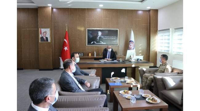 Vali Karaloğlu, ilçe değerlendirme toplantılarına Lice'yle devam etti