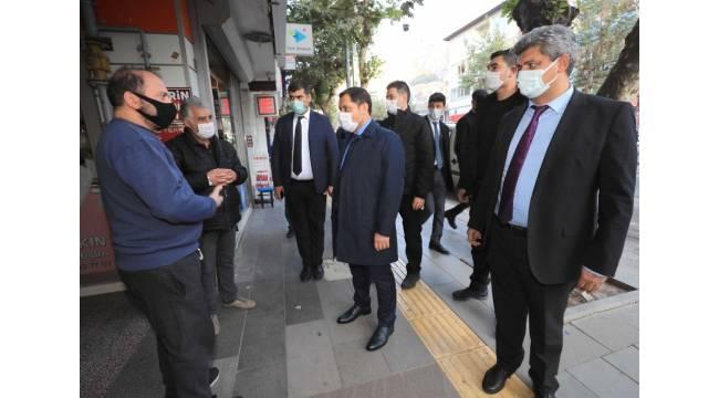 """Vali Masatlı vatandaşlara seslendi: """"Kalabalık ortamlara girmeyin"""""""