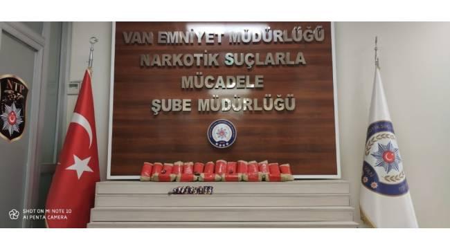 Van'da 16 kilo uyuşturucu ele geçirildi