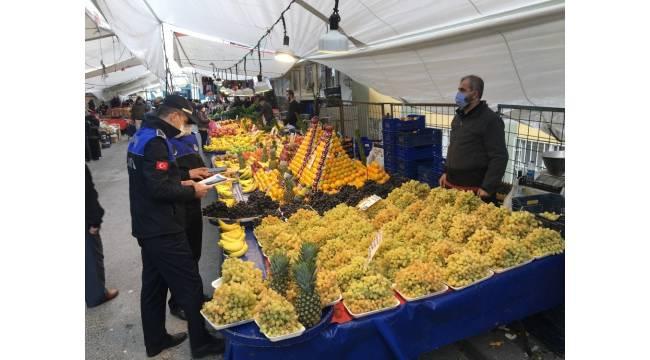 Zeytinburnu'nda akşam pazarı ucuzluğu sabaha çekildi