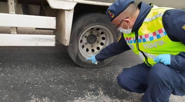 Isparta'da kış lastiği kullanmayan 41 sürücüye ceza uygulandı, 8 araç trafikten men edildi