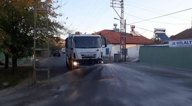 Malatya'da cadde ve sokaklar ilaçlı sularla yıkanıyor