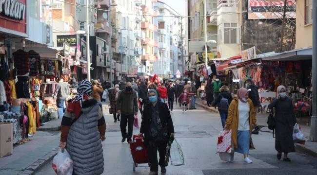 Sokağa çıkma kısıtlamasının ardından caddeler dolup taştı