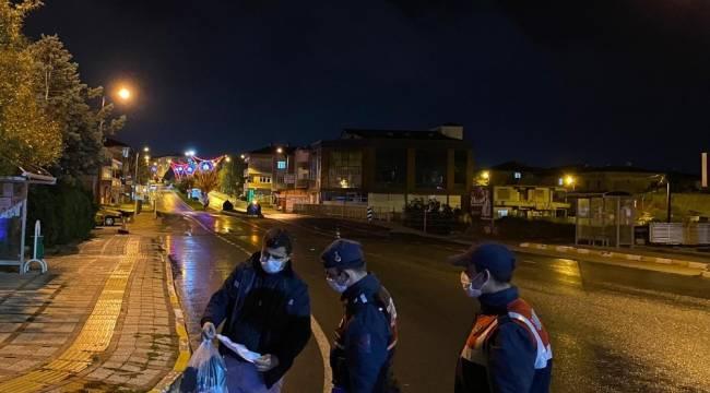 Yasağa rağmen sokağa çıkan 5 kişiye 15 bin 750 TL ceza