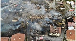 Bolu Kuzfındık'ta 12 evin yandığı köy drone ile görüntülendi