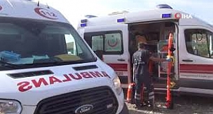 Gaziantep'in İslahiye ilçesinde Hemzemin geçitte can pazarı: 2 ölü, 1 yaralı