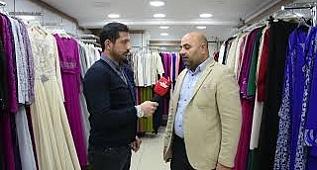 Menemen'de Altay Giyim'in sahibi Ahmet Altay Elazığ'a Çocuk montu ve ayakkabı yardımı yaptı